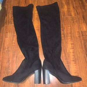 High Knew Heeled Boots